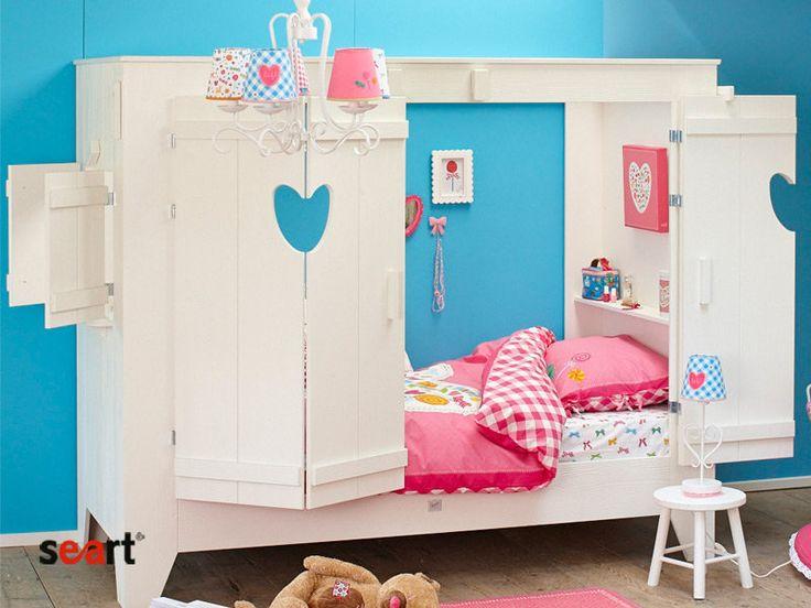 Seart.pl - łóżko dziecięce, dla dziecka, do pokoju dziecięcego, drewniane, sosnowe,  z sosny szczotkowanej, łóżko domek, z drzwiami i oknami, naturalne, ekologiczne, najciekawsze łóżka dziecięce, dla dziewczynki, białe meble, wygodne, kolekcja Hugo, seart, z półkami, parterowe,