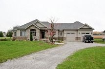 Residential Home - 3 bedroom(s) - Scugog - $639,900