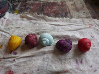 A Pretty Talent Blog: School Holiday Project: Painting Snail Shells