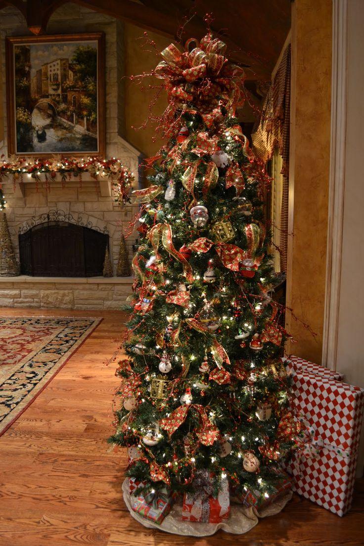 Elegant christmas tree decorating themes - photo#29