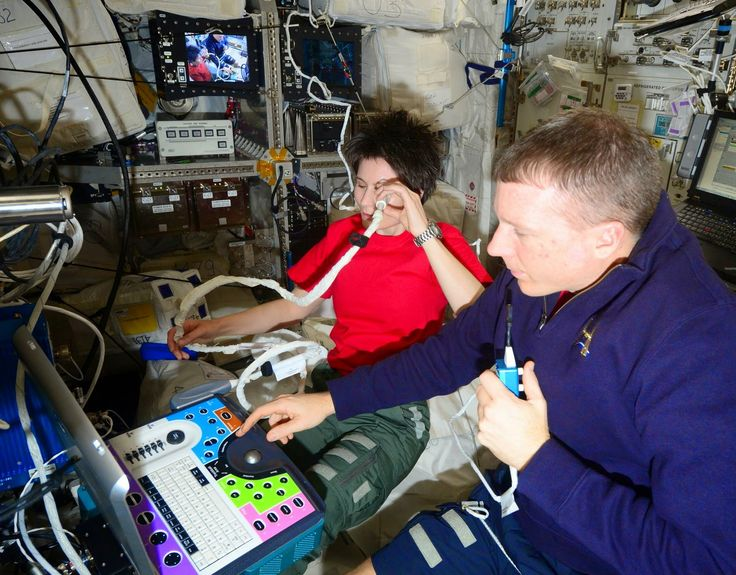 Astronaut Samantha Cristoforetti: Ocular health is a big thing on the Space Station. Adverse effects of microgravity on the eyes have been observed on many crewmembers and now the hunt is open for a full explanation. Periodic eye ultrasounds are part of that effort.