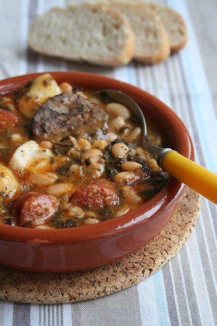 Platos típicos de Cantabria gastronomía cocido montañes