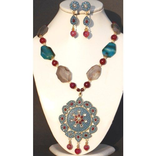 Takkar Big Pendant set in Greyish blue and Pink