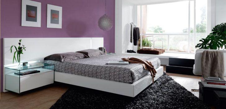 Dormitorio moderno lavanda