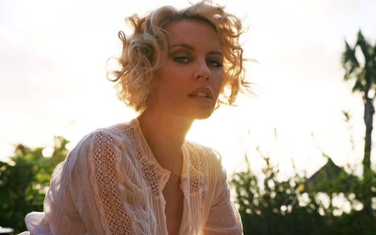 Kylie Minogue - opprinnelige bakgrunnsbilde: http://wallpapic-no.com/kjendiser/kylie-minogue/wallpaper-2506