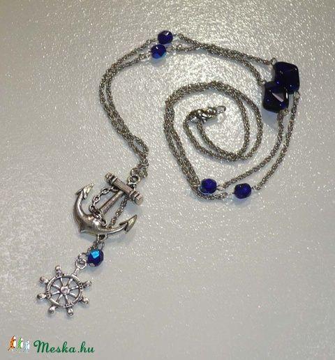 Matróz lánc - ezüst nyaklánc sötétkék gyöngyökkel, vasmacska medállal, Ékszer…