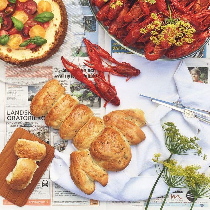 Bread to the crayfish party // Bröd till kräftskivan