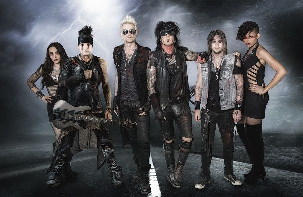 "Sixx:A.M.. la lyric-video de ""Prayers for the Damned"" est en ligne ! Eleven Seven Music présente SIXX AM Photo Credit: Dustin Jack ​ REGARDEZ LA LYRIC-VIDEO DE ""PRAYERS FOR THE DAMNED"" ICI ; https://youtu.be/MrUmJkD8h_Y Cette chanson est extraite de l'album du même nom, qui est disponible depuis le 29 avril dernier. Un disque dont les immenses qualités ont largement été saluées par les médias."