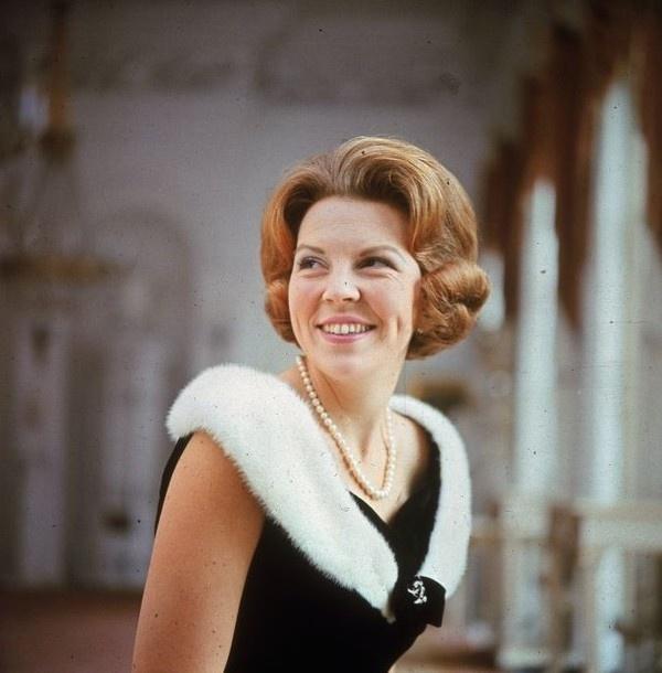 queen beatrix of the netherlands, 1965
