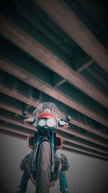 Rockster under the overpass