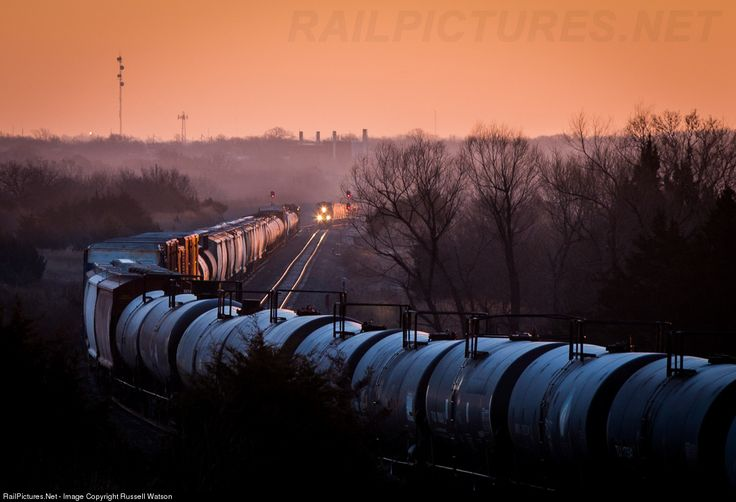 RailPictures.Net Photo: BNSF 4815 BNSF Railway GE C44-9W (Dash 9-44CW) at Wellington, Kansas by Russell Watson
