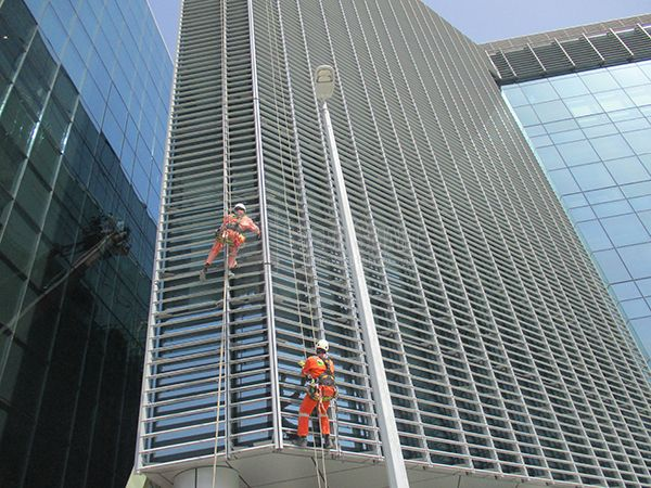 High Rise Window Cleaning Company Dubai With Images High Rise