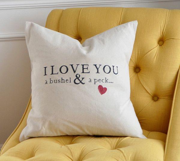 Cricut Home Decor: DIY I Love You A Bushel & A Peck Home Decor Pillow Made