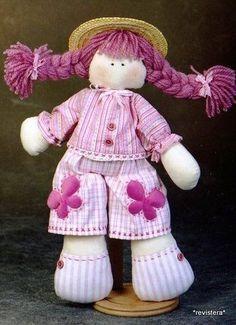 Patrones gratis para hacer esta bonita muñeca de trapo con trenzas. Es fácil de hacer y trae los patrones completos, con esto y tu imaginación, puedes crear verdaderas obras de arte en muñecas de trapo. Bonita, verdad?   Dulce muñeca de trapo con patrónComo hacer una muñeca de telaComo hacer una conejita DayseComo hacer …