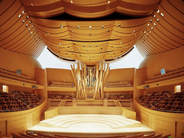 Walt Disney Concert Hall in Los Angeles, California - Frank Gehry, architect. Yasuhisa Toyota, acoustics