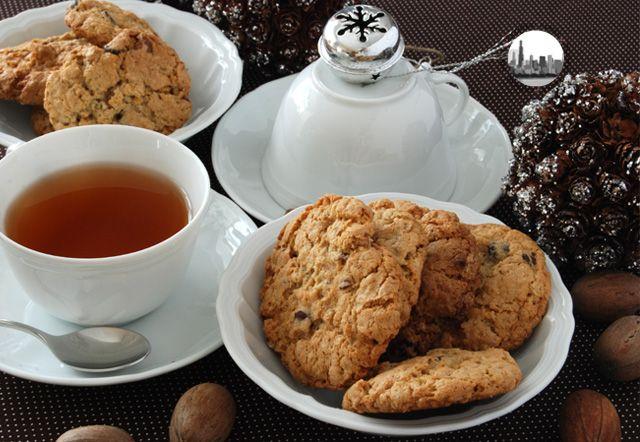 Biscotti allavena con noci pecan e gocce di cioccolato