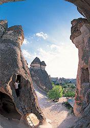 トルコの世界遺産 カッパドキアの岩窟群とギョメレ国立公園