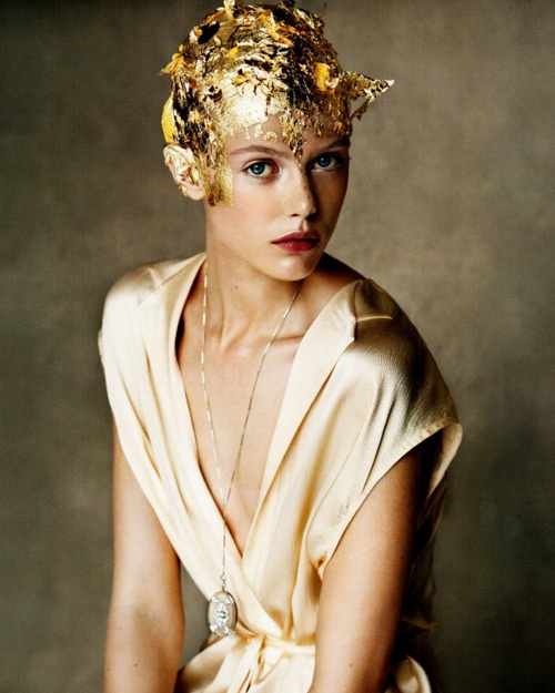Frida Gustavsson-Patrick Demarchelier for Vogue Dec 2011