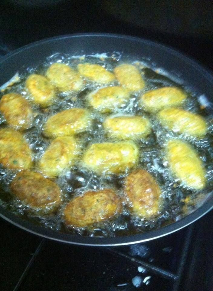 275 best libyan food recipes images on pinterest libyan food bastil while frying is a stuffed potato the potato is mashed but not as forumfinder Gallery