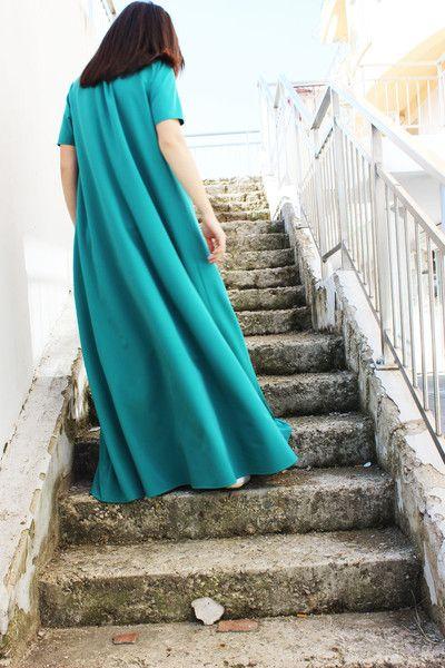 Abiti taglie forti - Green Maxi Dress/ Extravagant Dress D0026 - un prodotto unico di Fraktura su DaWanda