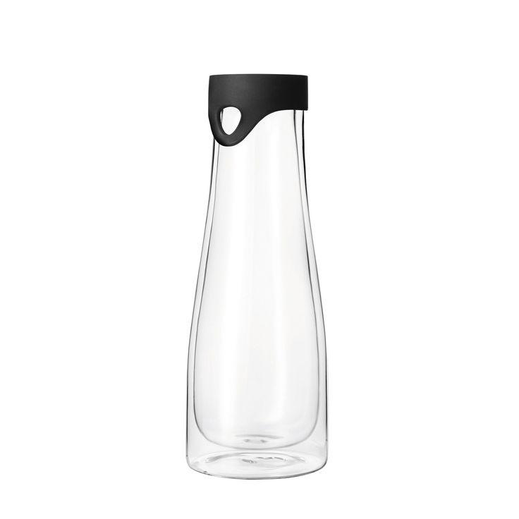 Wasserkaraffe Primo 1l doppelwandig: optic ist die Kollektion mit Glamourfaktor!  In den kleinen Linsen bricht sich das Licht auf faszinierende Art. Ein Effekt, der auch mit den Händen gut zu spüren ist. Die neuen Krüge der Kollektion sind geeignet für jeden Tag und jede Gelegenheit. Klarglasfühlbare Vertiefungen im Glasfür Wasser oder SäfteSpülmaschinengeeignetGr