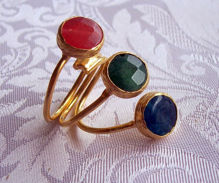 Handmade muticolour triple stone agate ring, with round stones gold plated semiprecious gemstone, jewelry and balance by GardenOfLinda on Etsy