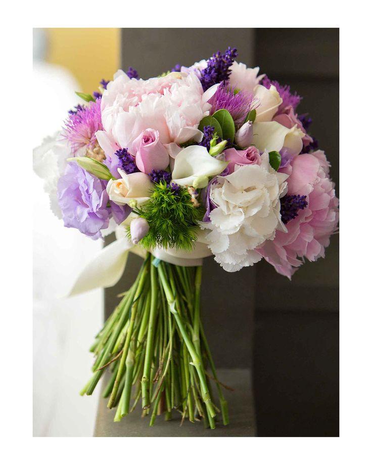 Hanging bouquet #NelloDiCesarePhotography #bouquet #HangingBouquet #flowers #wedding #WeddingPlanner