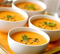 """Soupe des """"4 C"""" : Carottes-Coco-Curry-Coriandre Ingrédients pour 6 personnes  1 kg carottes 2 oignons moyens 20 cl de lait de coco 1 litre d'eau 1 cuillère à soupe d'huile d'olive ½ cuillère à café de curry ½ cuillère à café de coriandre en poudre (ou de curcuma) Quelques tiges de coriandre fraîche 1 pincée de sel http://cuisine.journaldesfemmes.com/recette/361327-soupe-des-4-c-carottes-coco-curry-coriandre"""