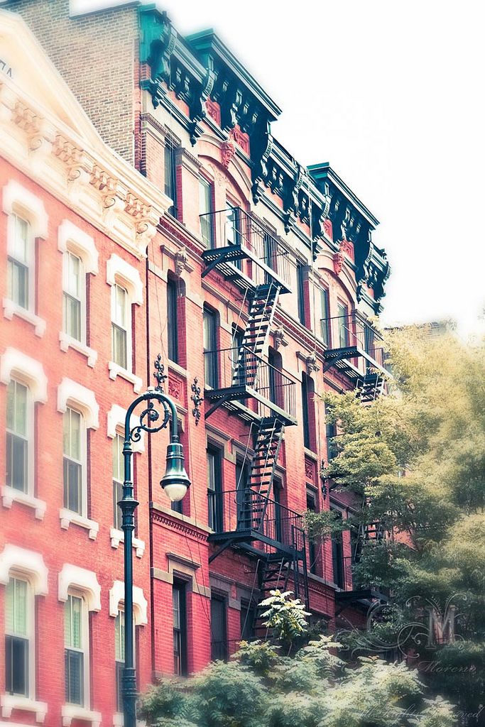 #NYC #Manhattan Partez sur les traces des artistes qui ont fait la réputation de Greenwich Village, suivez le guide ! More news about New York city here ! http://www.cityoki.com/en/cities/newyork/ Plus d'actus sur la ville de New York ici ! http://www.cityoki.com/fr/villes/newyork/