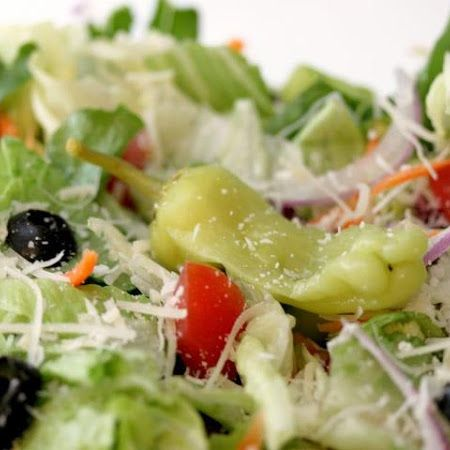 Olive Garden 39 S House Salad Recipe Gardens Vegetables And Grated Cheese