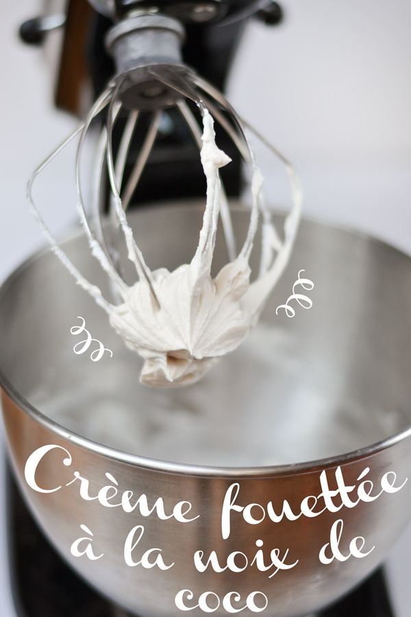 La crème fouettée à la noix de coco est une excellente alternative à la crème régulière. Sans produits laitiers, elle est parfaite pour les végétaliens, mais elle plaît à tous!