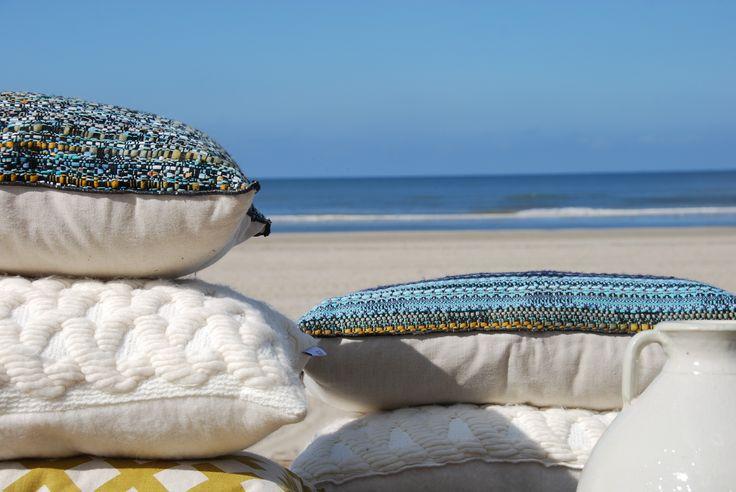 #pillow #kussen #wonen #Autumn #Winter #cushion #design #handmade #particolare #bijzonder #beach #strand #blue #white #dutch #vases
