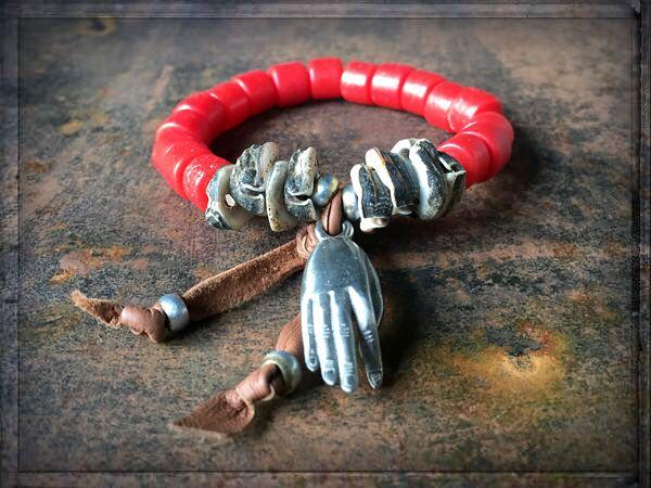 A WAY TO HAPPINESS ≫≫≫ #ONLINESHOP • www.schmuck-reichenberger.de  ❤️ ≫≫≫ #schmuck #luckyjewelry #shellbead #shelljewelry #redlove #icondesignliving #jewelrymakesyouhappy #luckycharms #trendarmband #armbänder #armbandliebe #stackingbeads #armcandy #armparty #coachellastyle #ethnoschmuck #handmadewithlove #bohogypsy #bohojewelry #freespirit #gypsyjewelry #ibizajewelry #trendschmuck #schmucktrends #ibizastyle #jewelrystyles #schmuckliebe #schmuckshop