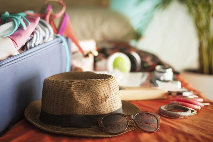 On ne fait pas ses bagages pour un long voyage à petit budget, parfois dans des zones éloignées, comme on fait sa valise pour une fin de semaine à New York. Voici...