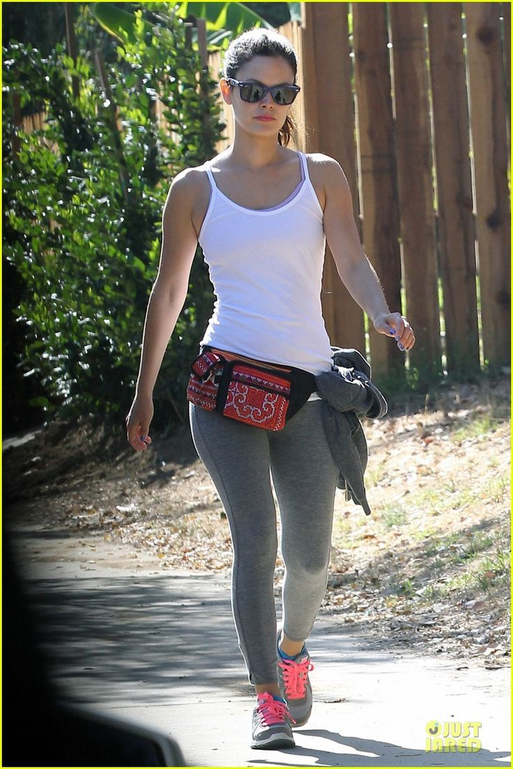Rachel Bilson has the only fanny pack I've ever actually wanted to wear.