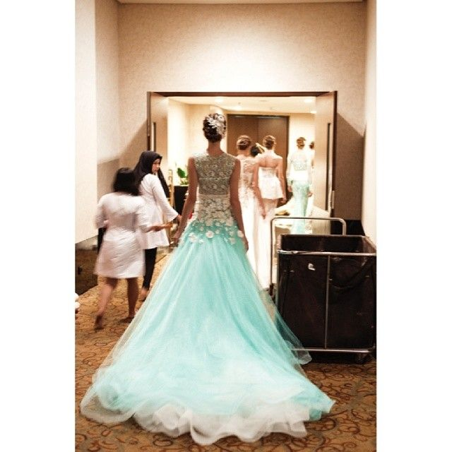 Back of my dress .... back stage photo shoot  #ivangunawancollection  #tiffanyblue - @ivan_gunawan- #webstagram