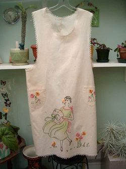 Cute apron with vintage style embroidery