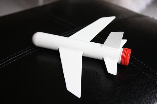 Cigar tube airplane ornament--- LOVE!  Know anyone who smokes cigars???