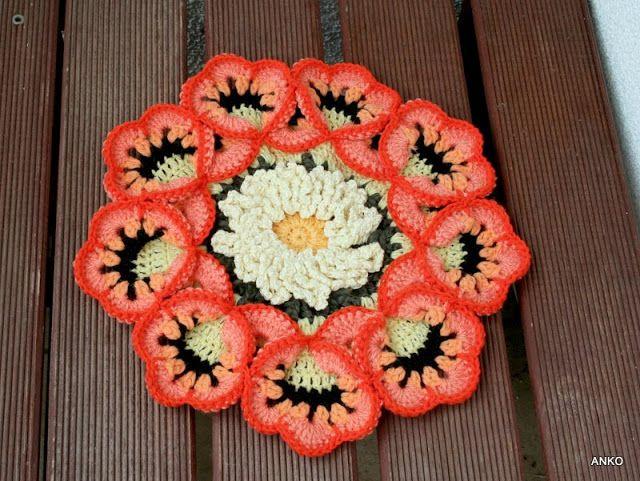 Rękodzieło  z nici i szmatek: Egzotyczne kwiaty.