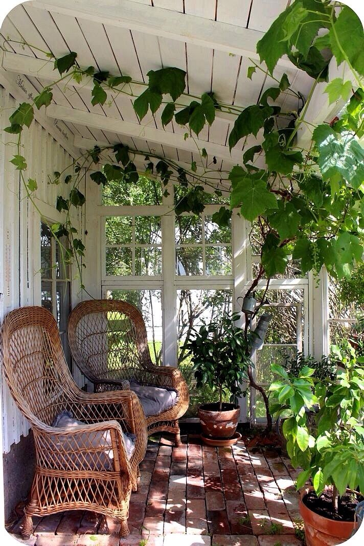 Wicker chairs on the front poarch