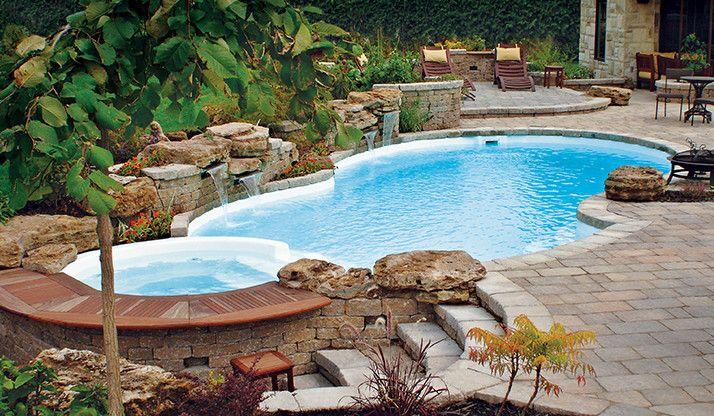 Une piscine creusée en fibre de verre | Fibro