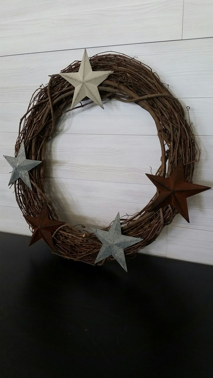Grapevine Wreath with Stars #wreath #wreathideas #stars #grapevine #goldenforrestcreations