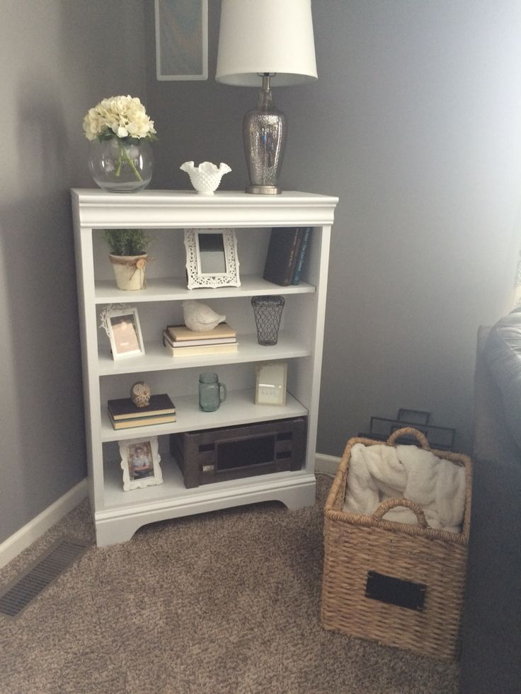 My cute little bookcase craigslist piece painted and for Cute bookshelf ideas