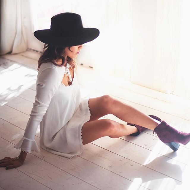 Cute look with the chunky booties and hat Boho Style                                                                                                                                                                                 More