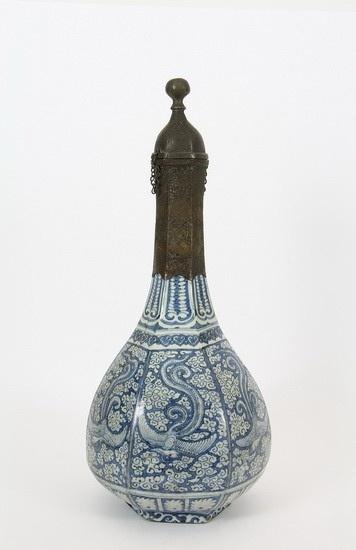 Bottiglia piriforme decorata con fenici by Turismo Emilia Romagna, via Flickr