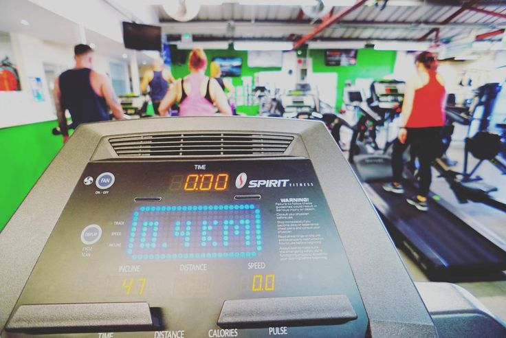 Good workout today at @newbodyfitness on the @spiritfitness_ treadmill #instapic #picoftheday #supercharged #instacool #awesome #instafit #fitpro #weymouth #strengthtraining #weights #strong #cv #running #running