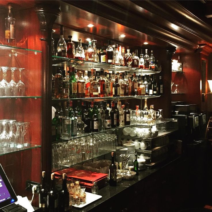 Nice little hotel bar...���� #southafrica#aboutsouthafrica#travel#germany#north#rostock#warnemünde#event#hotelbar#gintonic#cocktails#fun#people#preparedfornextday http://tipsrazzi.com/ipost/1516459625564893148/?code=BULi_6yBG_c