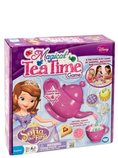 Sofia ensimmäinen, Magical Tea Time -pelissä voit puhaltaa teekuppiisi, ja juomasi vaihtaa väriä! Kerää eniten herkkuja tarjottimelta! Yksinkertainen ja viihdyttävä peli opettaa pienille prinsessoille hyviä tapoja. Mukana upea teeastiasto. 2–4 pelaajalle