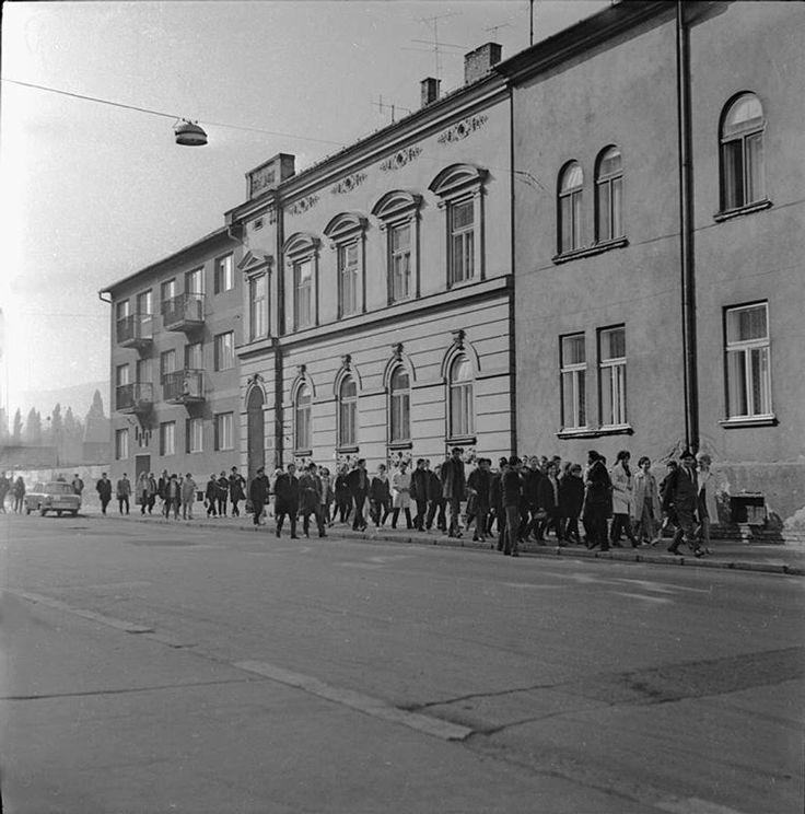 #sopron #mátyáskirályutca #bnw #bnw_captures #blackandwhite #blackandwhitephotography #hungary #rolleiflex #6x6