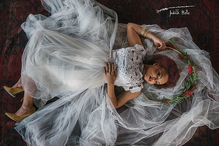 Our gorgeous bride with her flower halo | A bottlebrush flower inspired Joburg city shoot | Runaway Romance